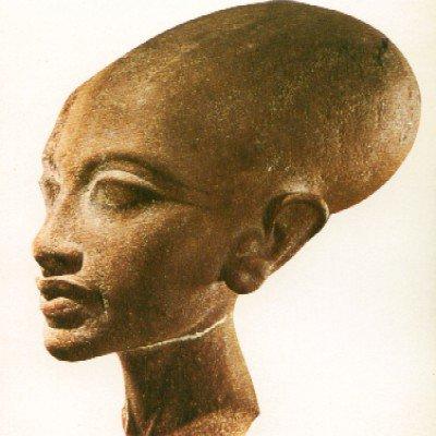 Нефертити е не само образ, но и реален извънземен образ според изследователи
