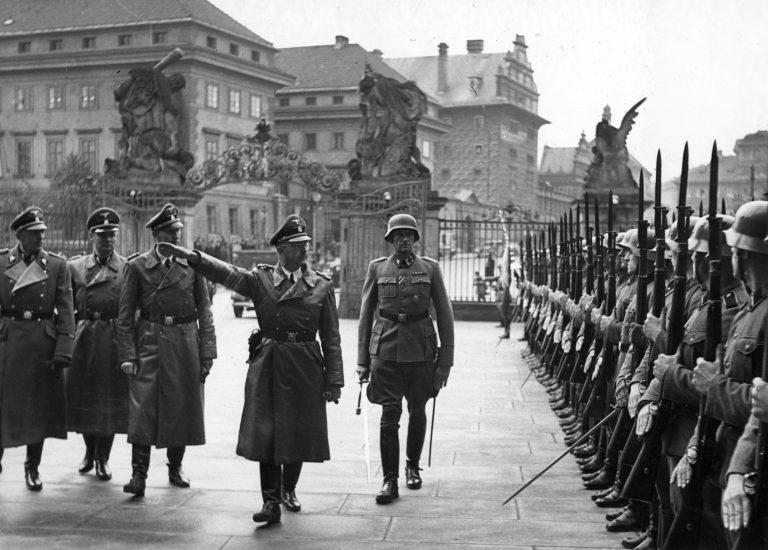 Шефът на СС Химлер е бил привърженик на окултизма и негов защитник