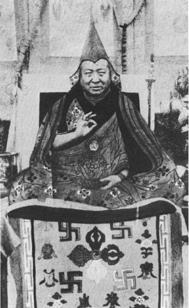Свастиката символ на Третия Райх пряко е свързана с Тибет