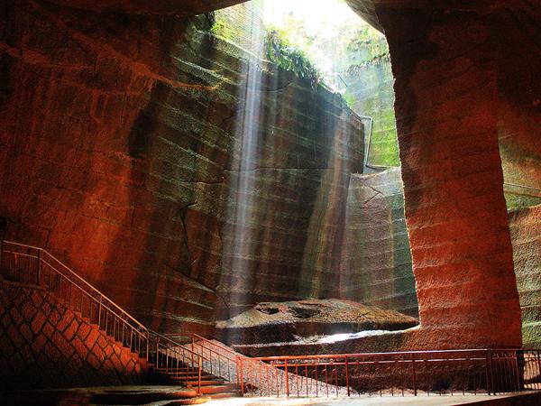 пещери анунаки