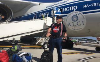 Бъз Олдрин по време на заминаването си за Южния полюс/ сн. Twitter